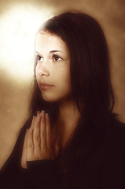 prayer-2300736_640